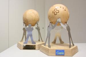 Die Pokale der 2014er B.E.S.T. Awards kurz nach Fertigstellung. Foto: Zeesener Werkstatt