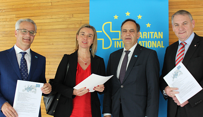 Federica Mogherini, High Representative of the EU for Foreign Affairs and Security Policy (2nd from right) with the SAM.I. representatives. Photo: Hörle/ASB